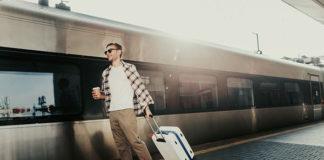 Mężczyzna w podróży – najlepsze antyperspiranty o przedłużonym działaniu