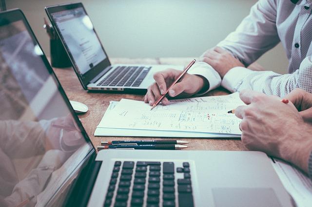 Firmy a jakość podnośników przez nie oferowanych