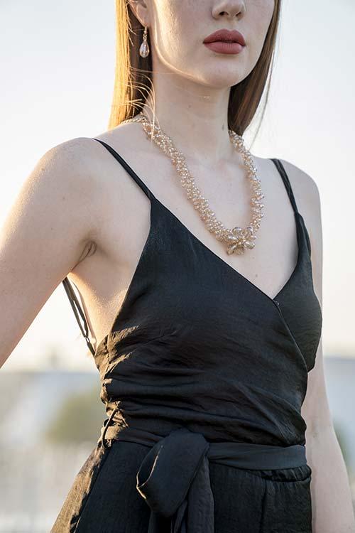 Najmodniejsze dodatki do letniej sukienki