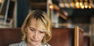 Cera dojrzała: jak dbać o skórę twarzy po 60. roku życia