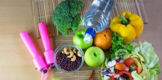 Zdrowe produkty przydatne do diety oraz akcesoria do ćwiczeń