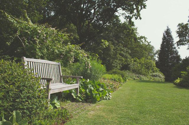 Jak urządzić przydomowy ogród w nieszablonowym stylu